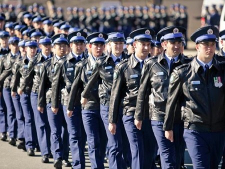 police_march_fct836x630x90x10_ct620x465